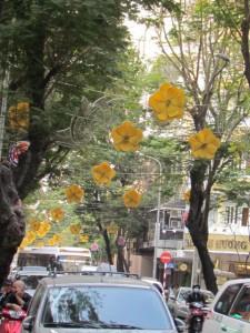 ドンコイ通りのテト飾り