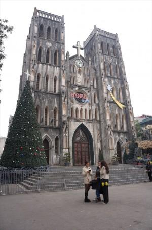 31日ですが、まだクリスマス仕様の教会。